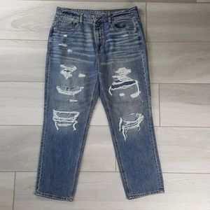 American Eagle Hi-Rise Tomgirl Distressed Jeans 14